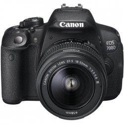 CANON EOS 700D Appareil photo numérique Reflex + Objectif 18-55 DC